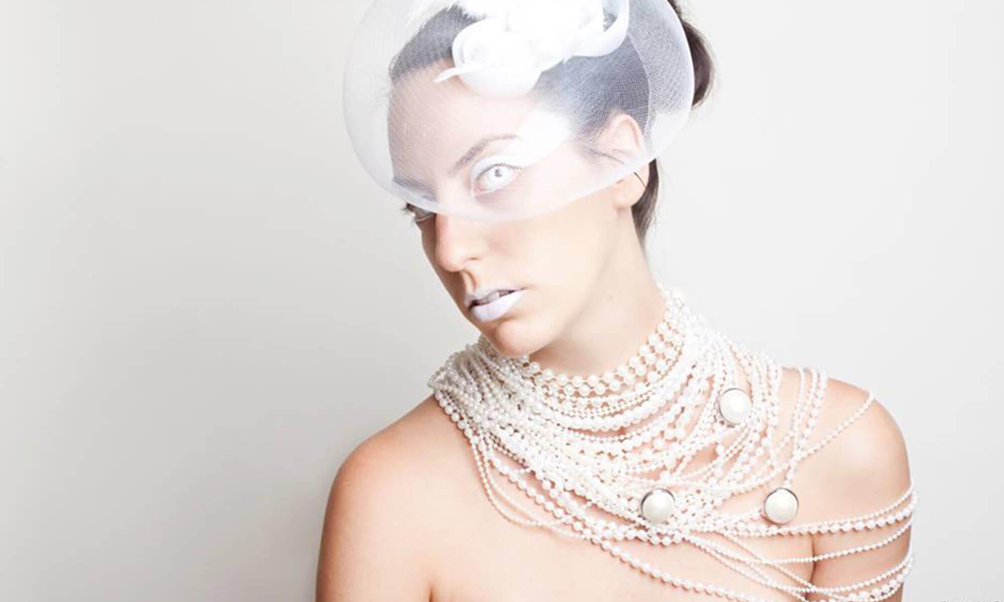 makeup_white